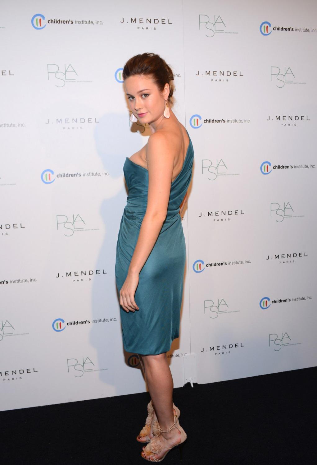 Brie Larson hot ass (2)