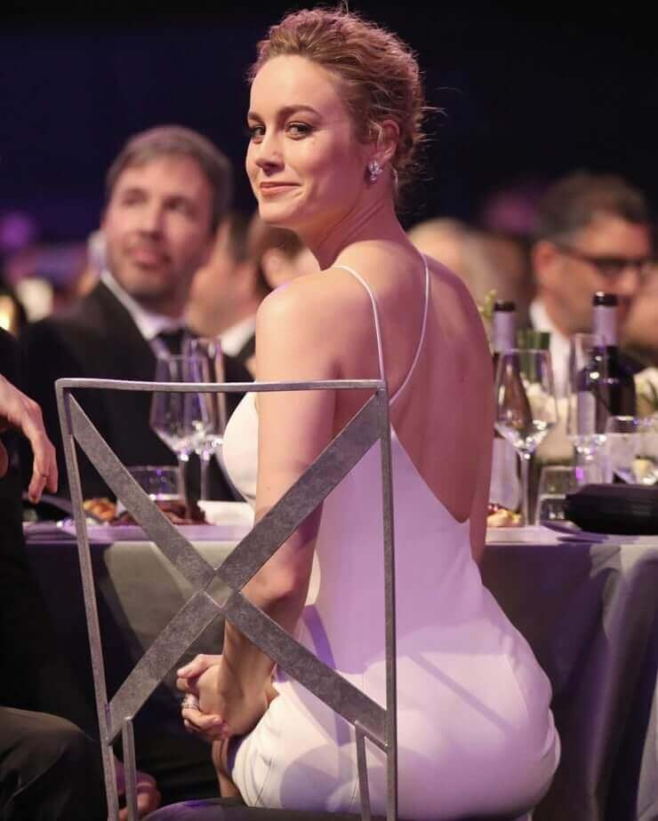 Brie Larson sexy booty (2)