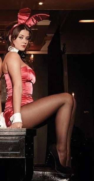 Brooke Vincent sexy thigh pics