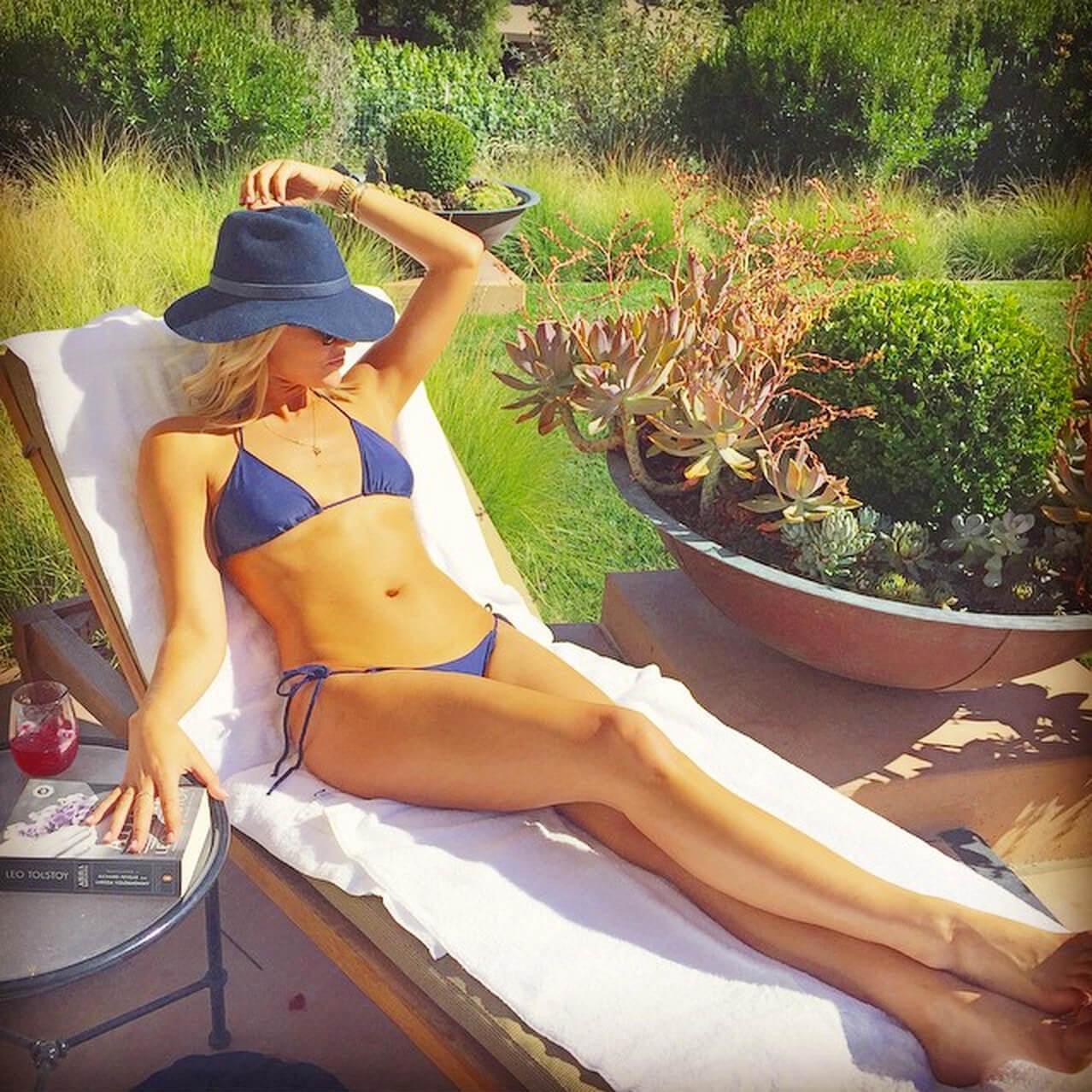 Charissa Thompson hot (1)