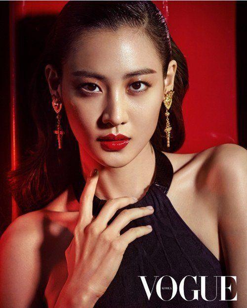 Claudia Kim hot (1)
