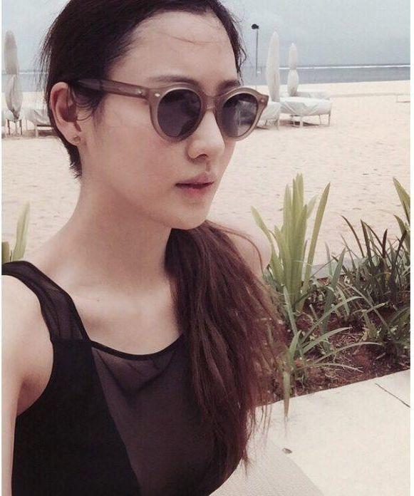 Claudia Kim sexy look (1)