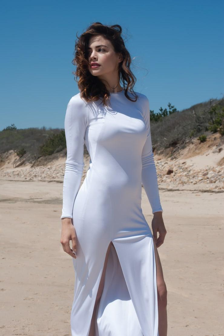 Conor Leslie sexy look pic (2)