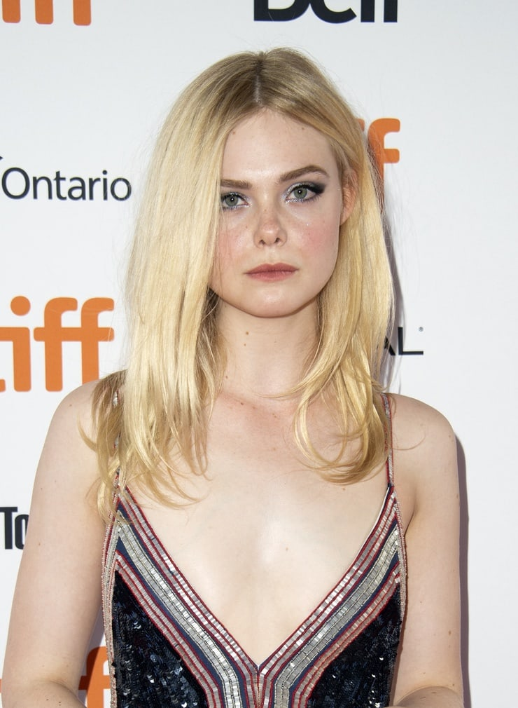 Elle Fanning sexy pictures