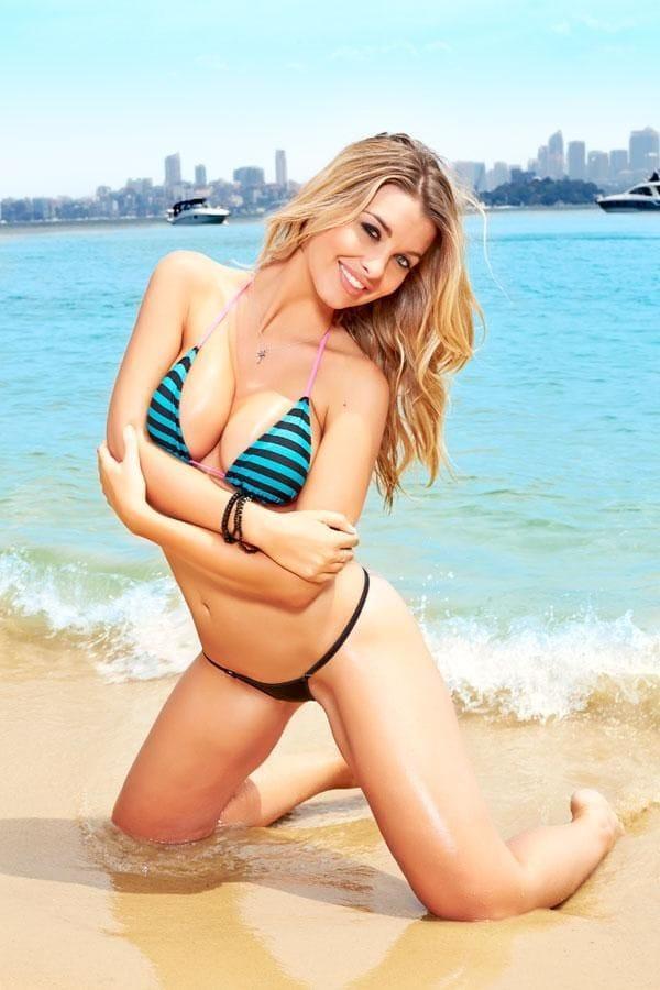 Emily Sears big boobs (2)