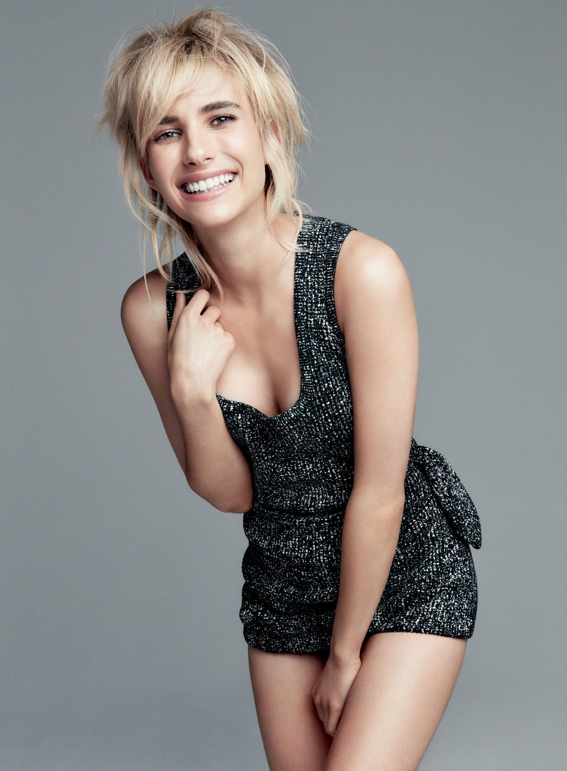 Emma Roberts hot cleavage