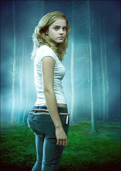 Emma Watson hot butt (2)