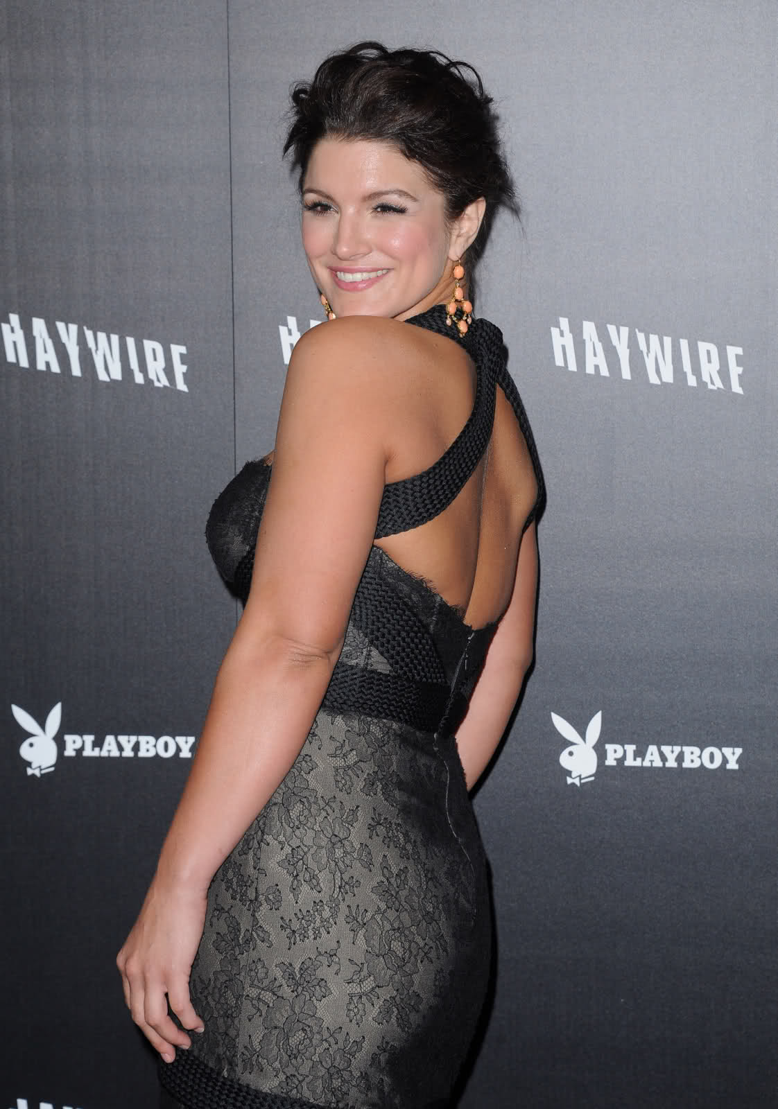 Gina Carano awesome booty (1)
