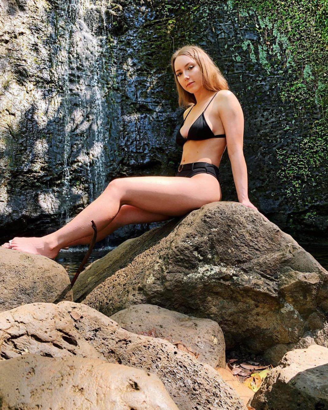 Hailie Jade sexy (2)