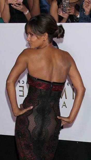 Halle Berry sexy ass (1)