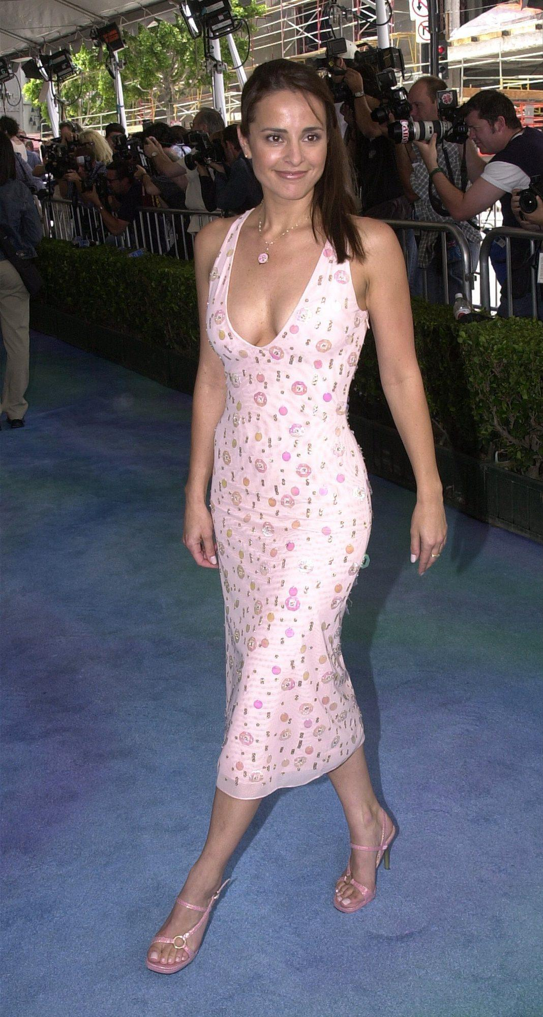 Jacqueline Obradors hot side boobs pics