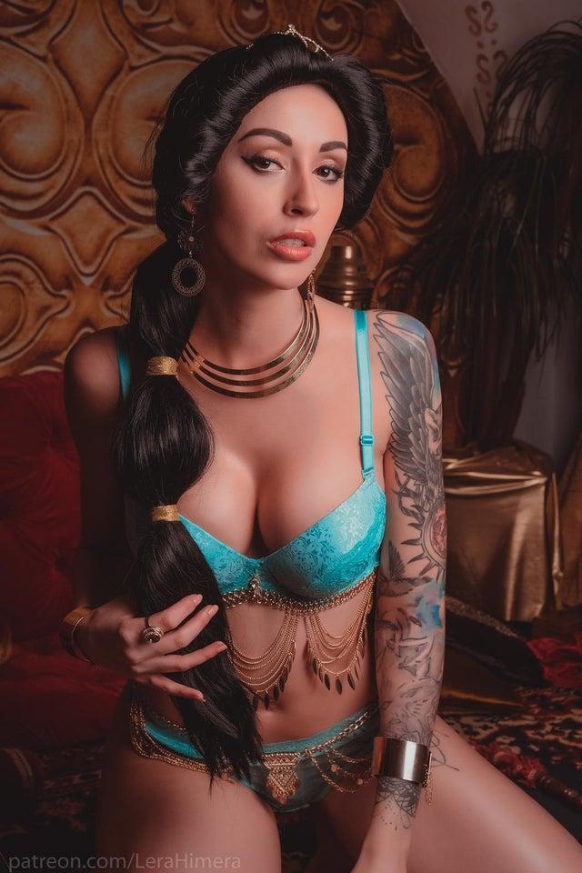 Jasmine Aladdin bikini pics