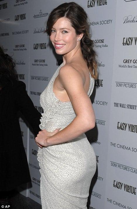 Jessica Biel sexy ass (1)