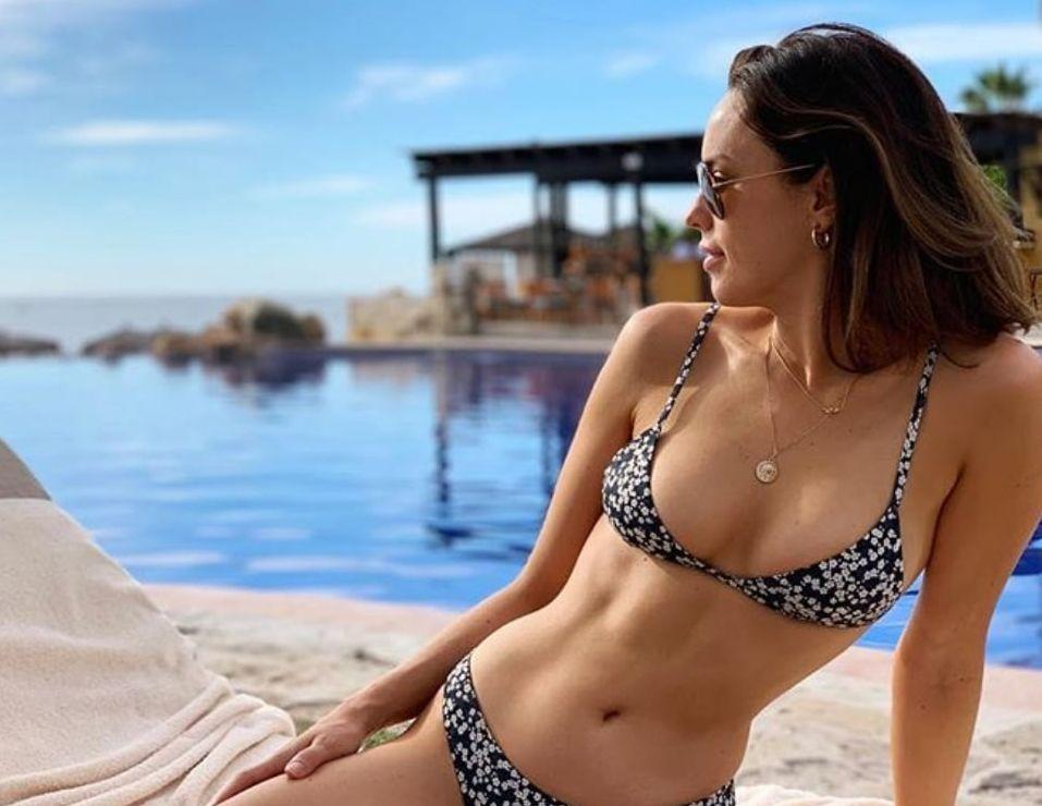 Jessica McNamee awesome look (2)
