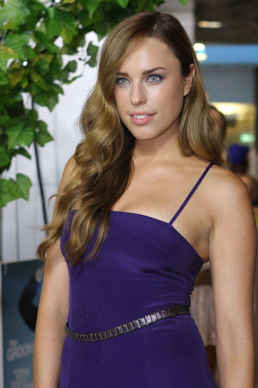 Jessica McNamee hot (1)