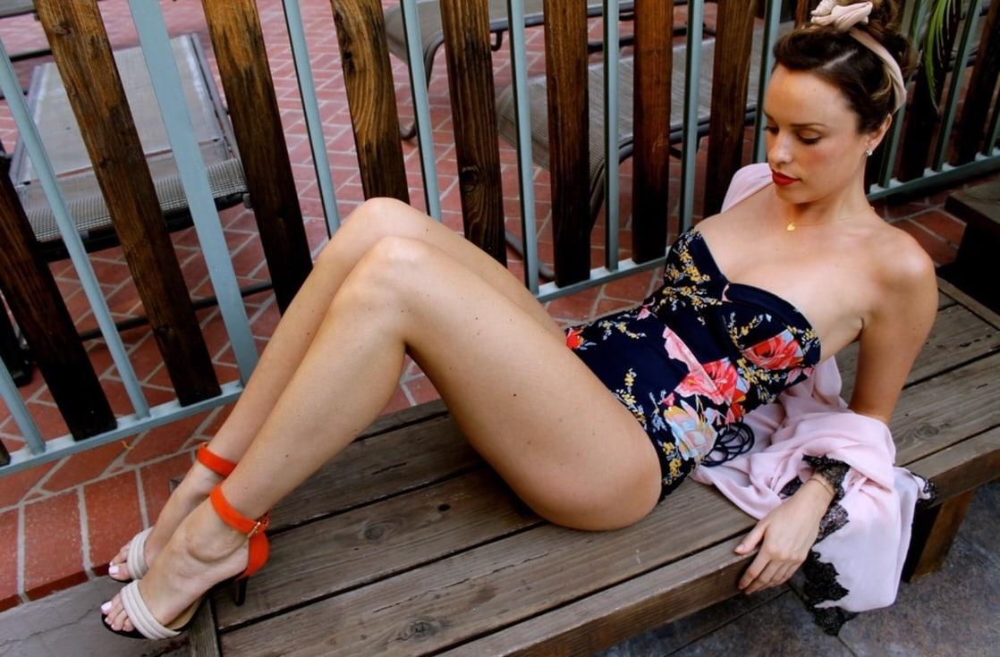 Jessica McNamee hot (2)