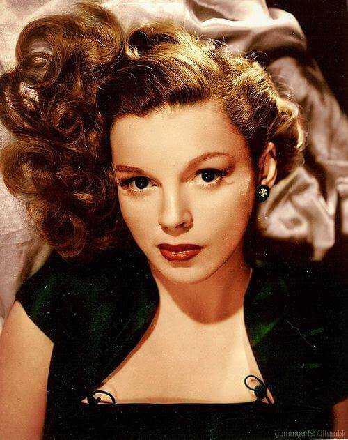 Judy Garland hot look (1)