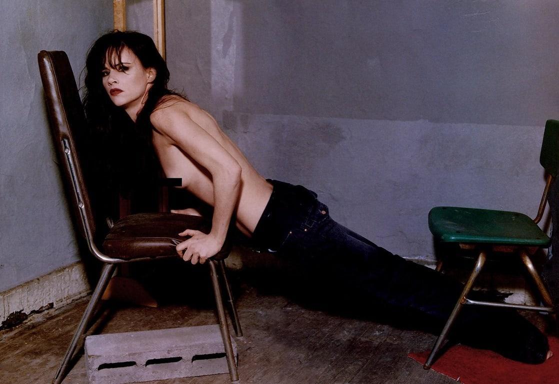 Juliette Lewis near nude (2)