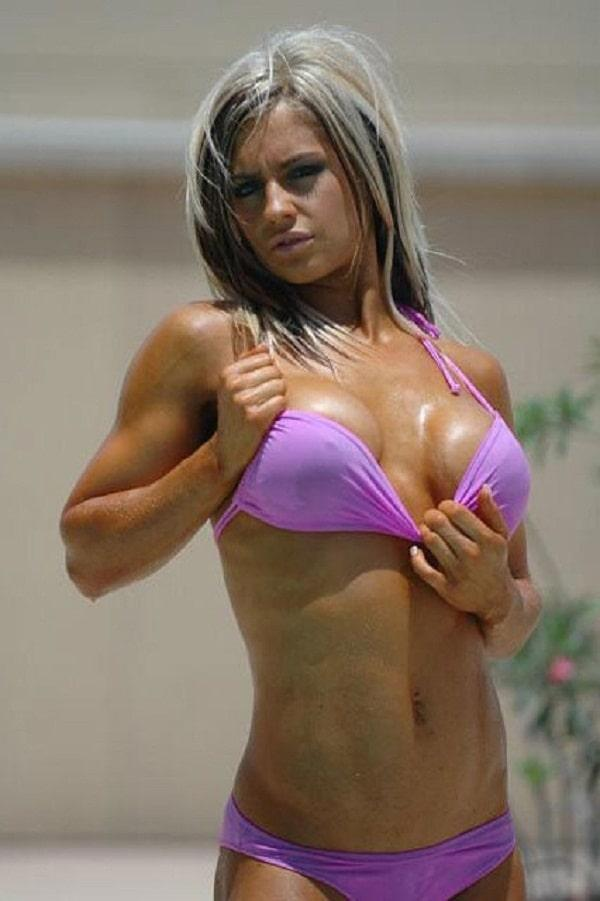 Kaitlyn hot looks (1)