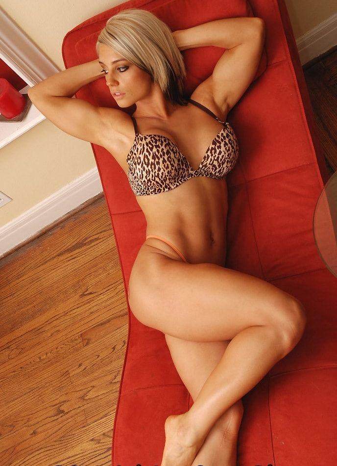 Kaitlyn hot looks (2)
