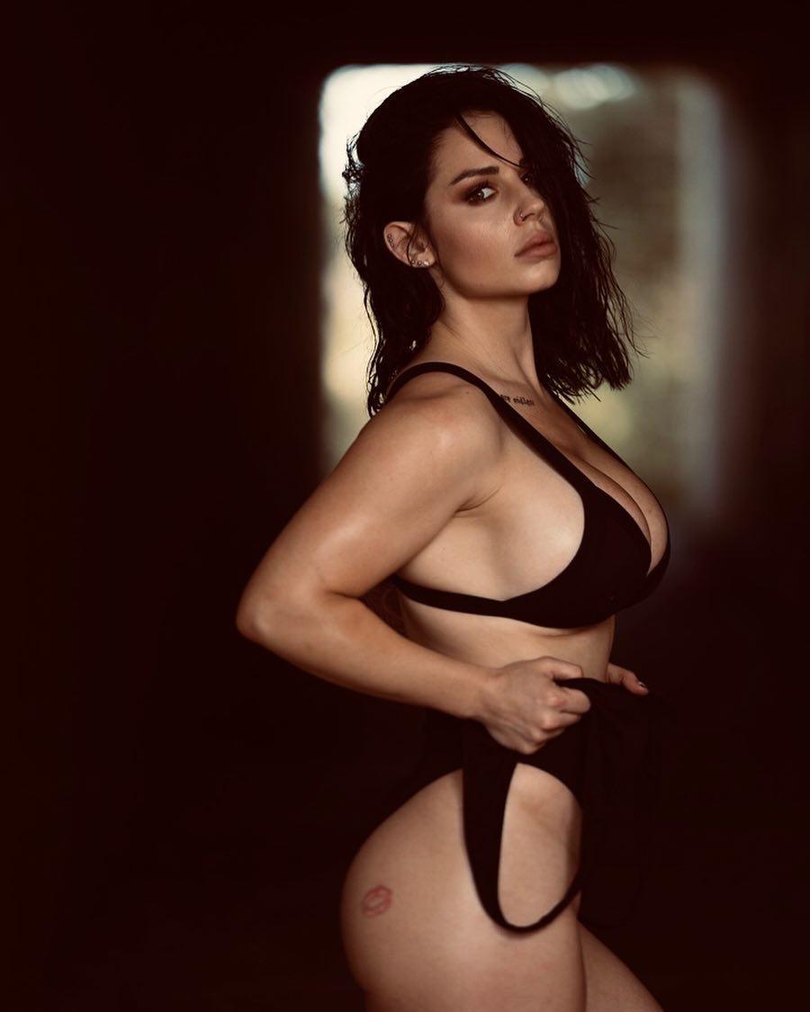 Kaitlyn sexy (2)
