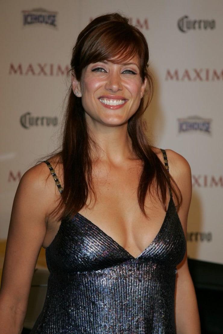 Kate Walsh cleavage photo (2)