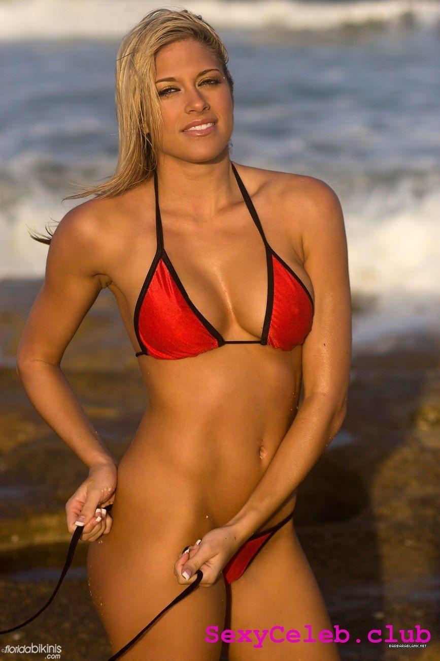 Kelly Kelly hot photo