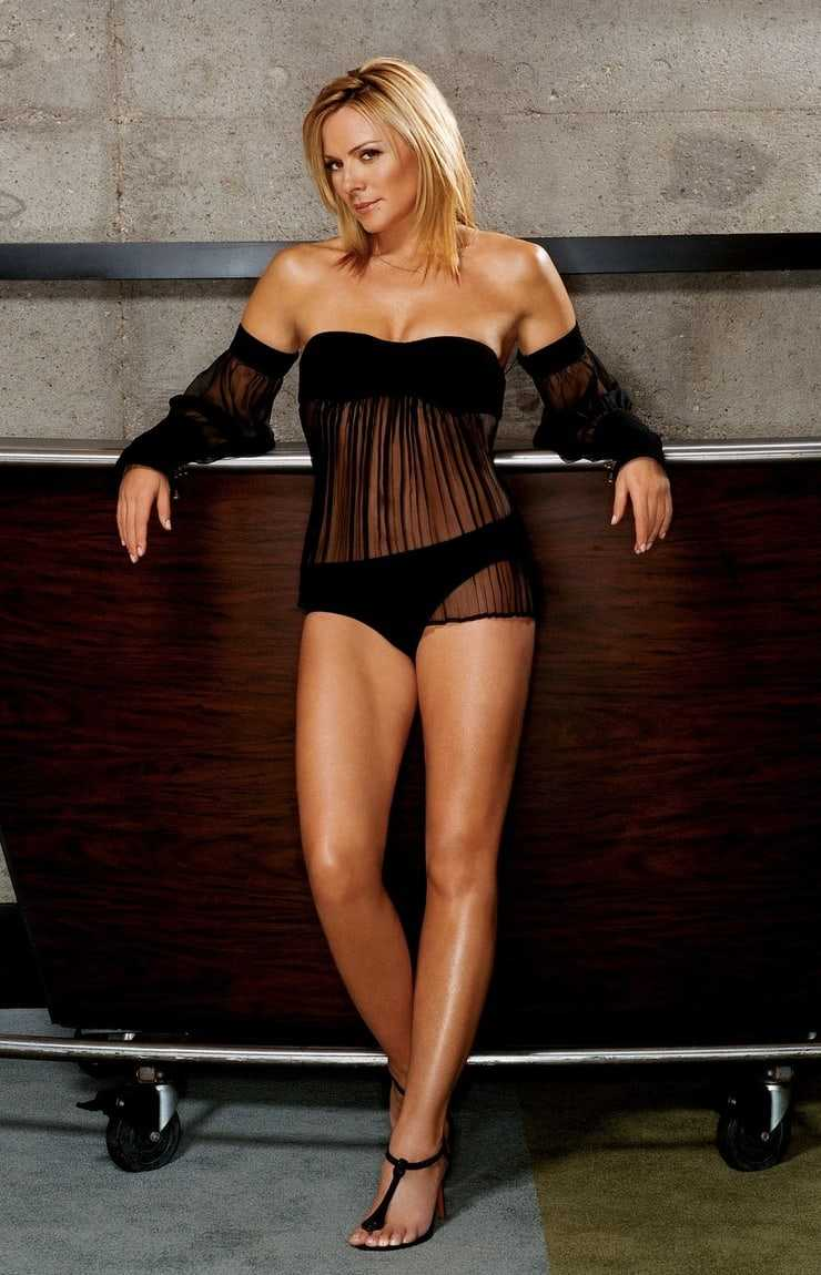 Kim Cattrall hot (2)