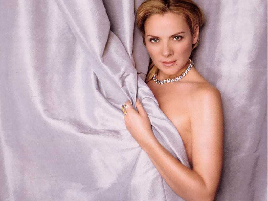 Kim Cattrall sexy cleavage (1)