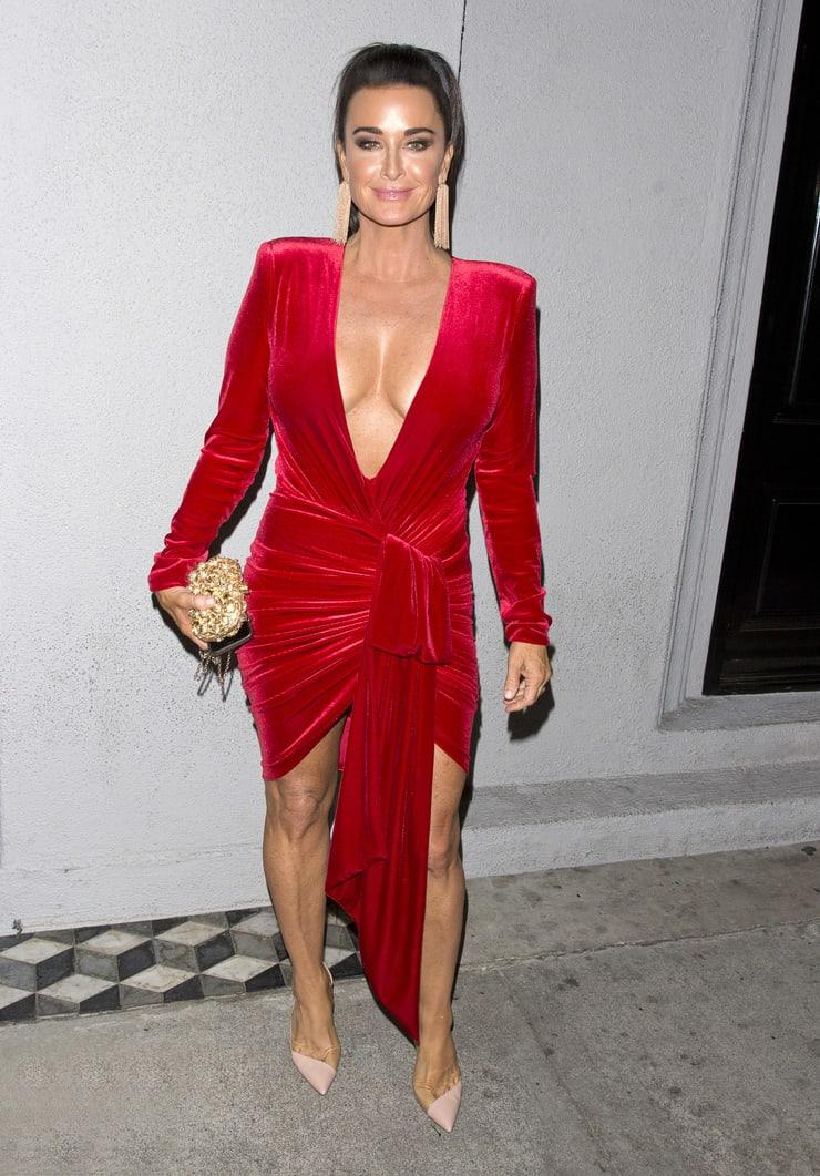 Kyle Richards sexy cleavage pics
