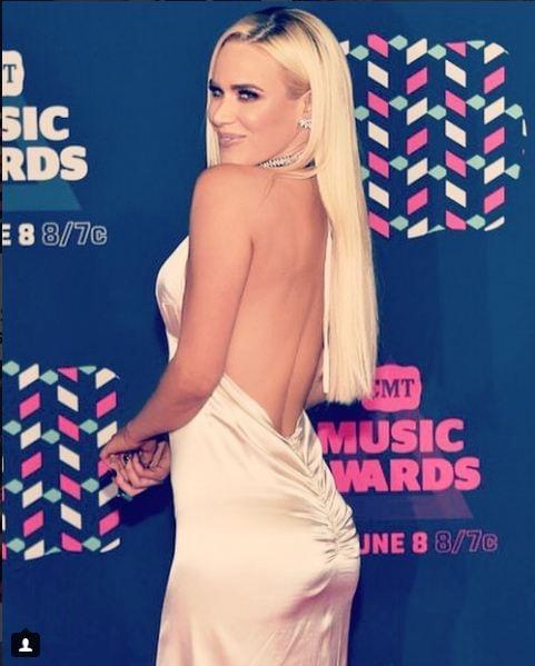 Lana ass (2)