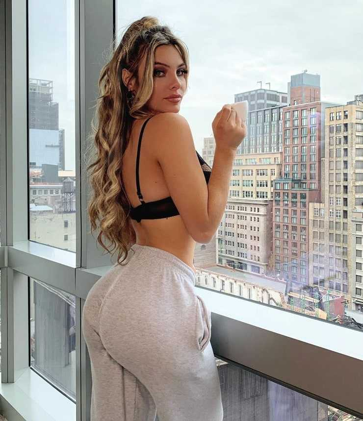 Lele Pons booty (1)