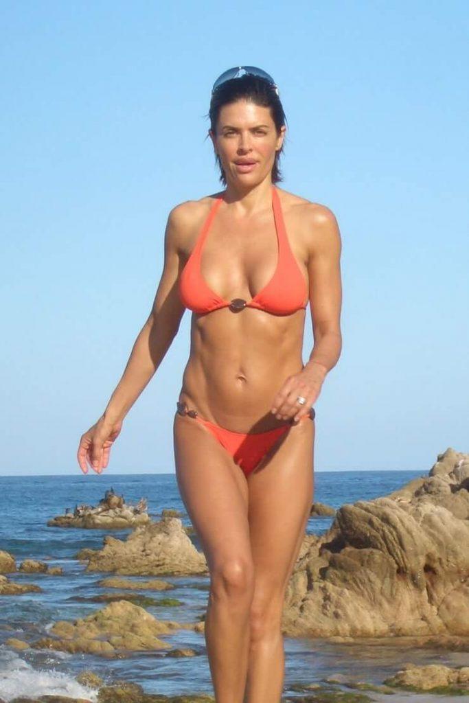 Lisa Rinna hottest pics