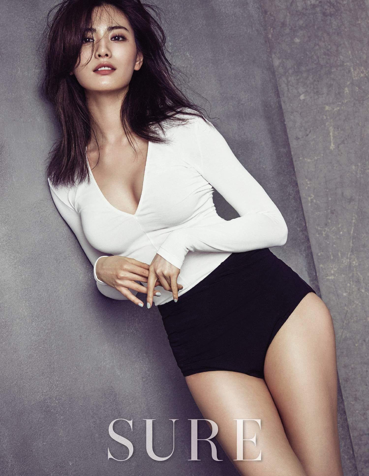 Nana K-Pop busty pics