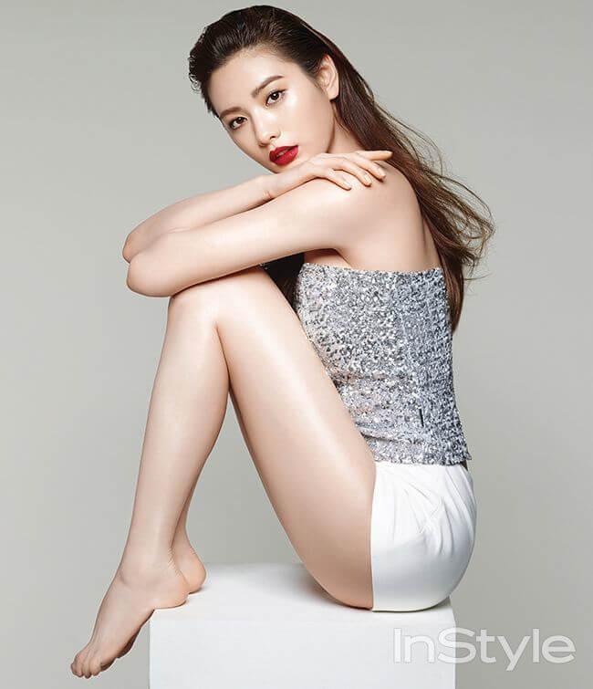 Nana K-Pop sexy side ass pics