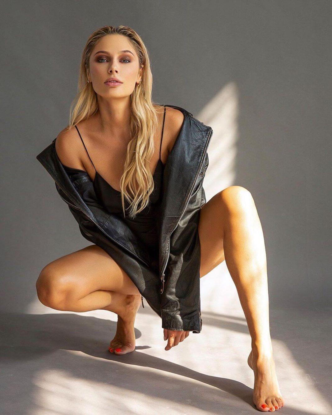Natalya Rudova feet pics