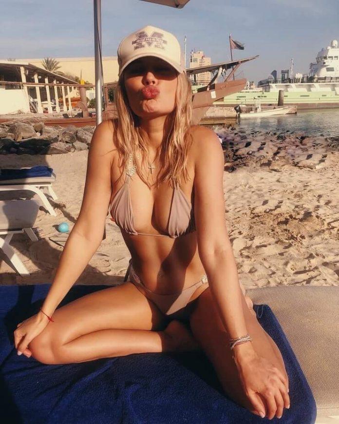 Natalya Rudova sexy looks pics