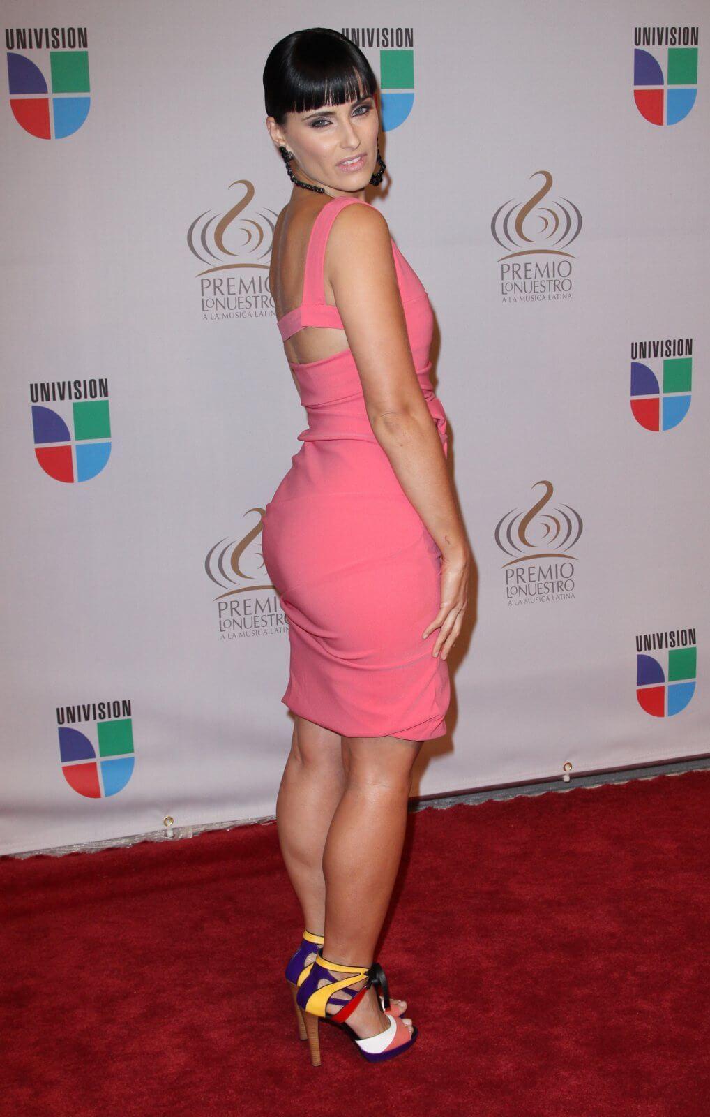 Nelly Furtado hot ass (1)