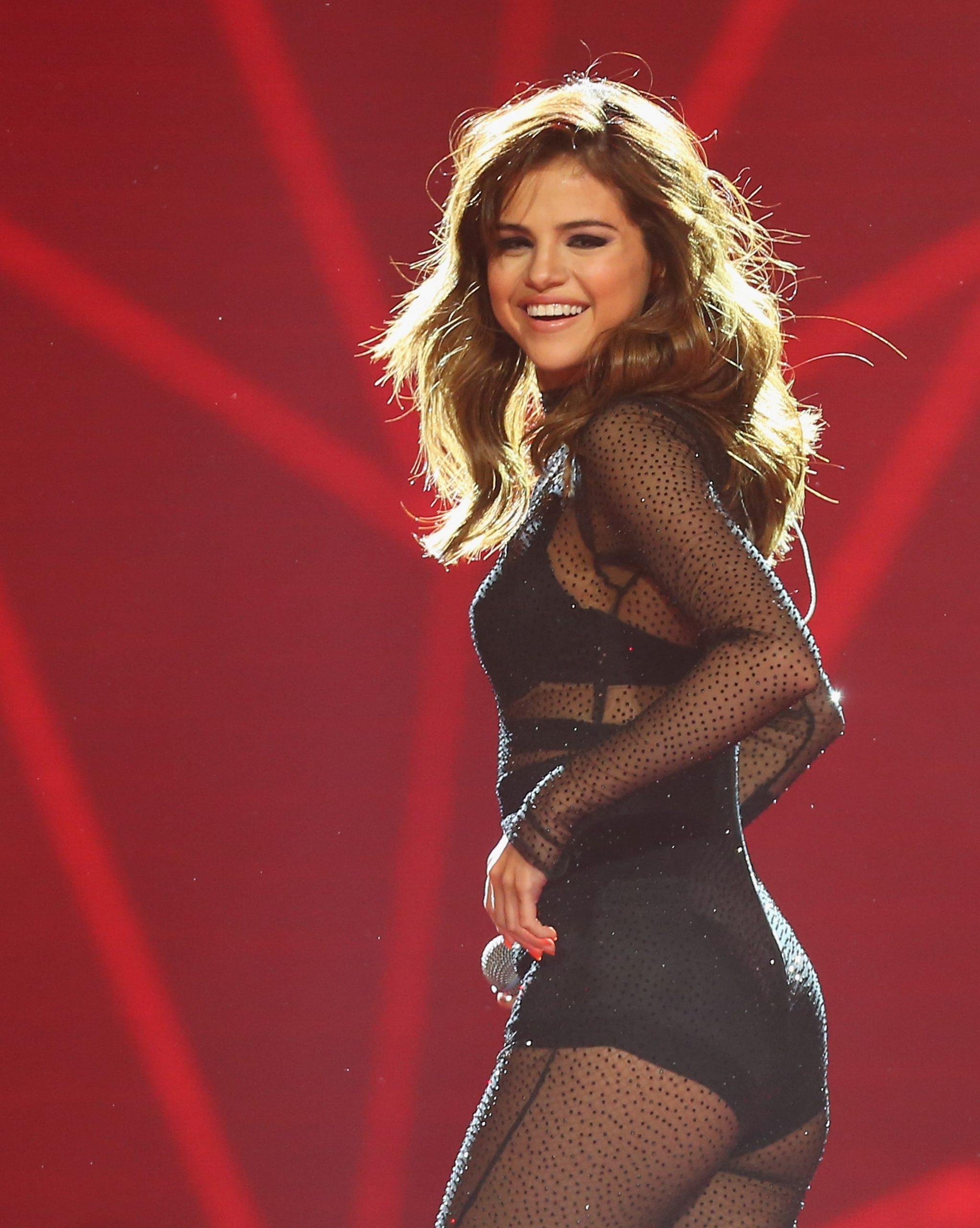 Selena Gomez hot butt (1)