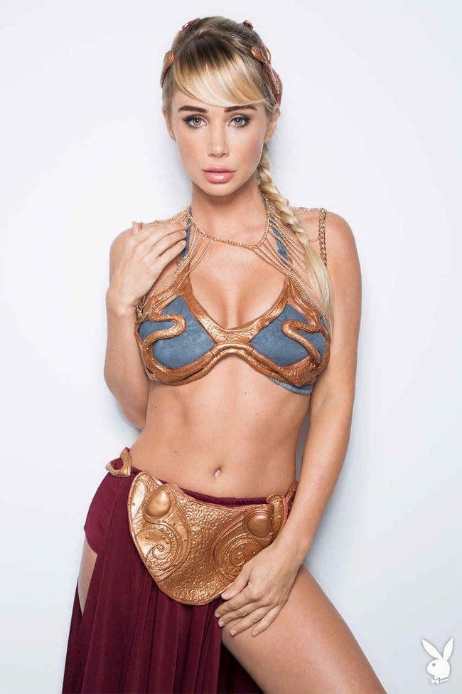 Slave Princess Leia sexy cleavage pics