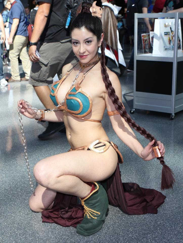 Slave Princess Leia tits pictures (2)