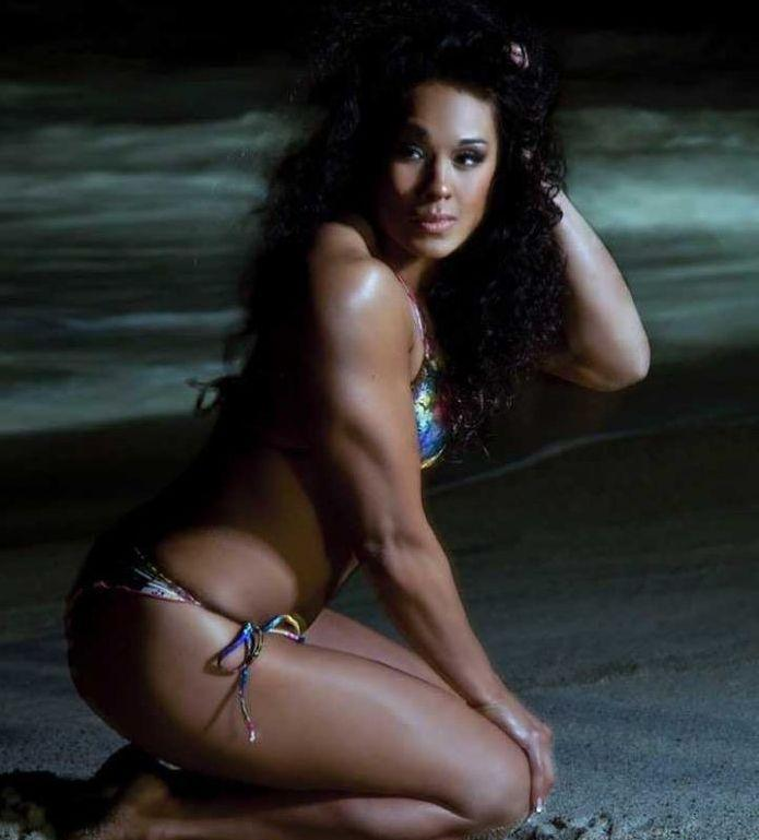 Tamina Snuka hot bikini pics