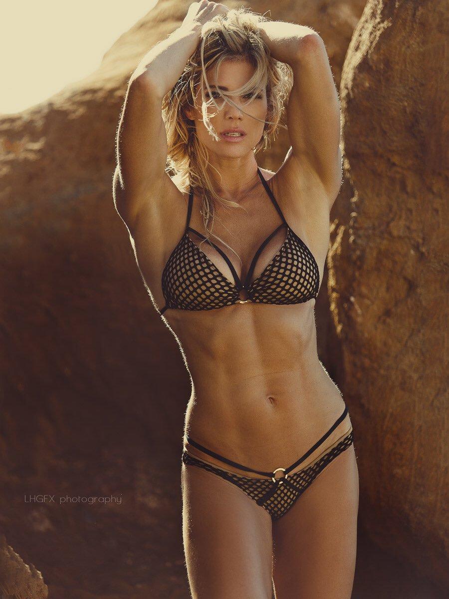 Torrie Wilson hot pic
