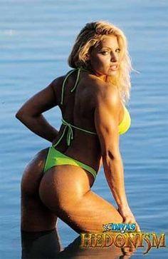 Trish Stratus booty (1)