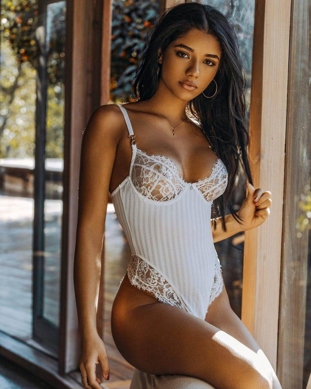 Yovanna Ventura sexy lingerie pics