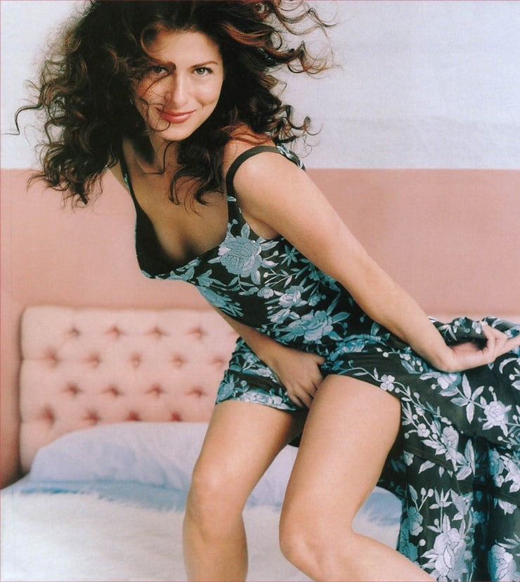 debra messing hot thighs