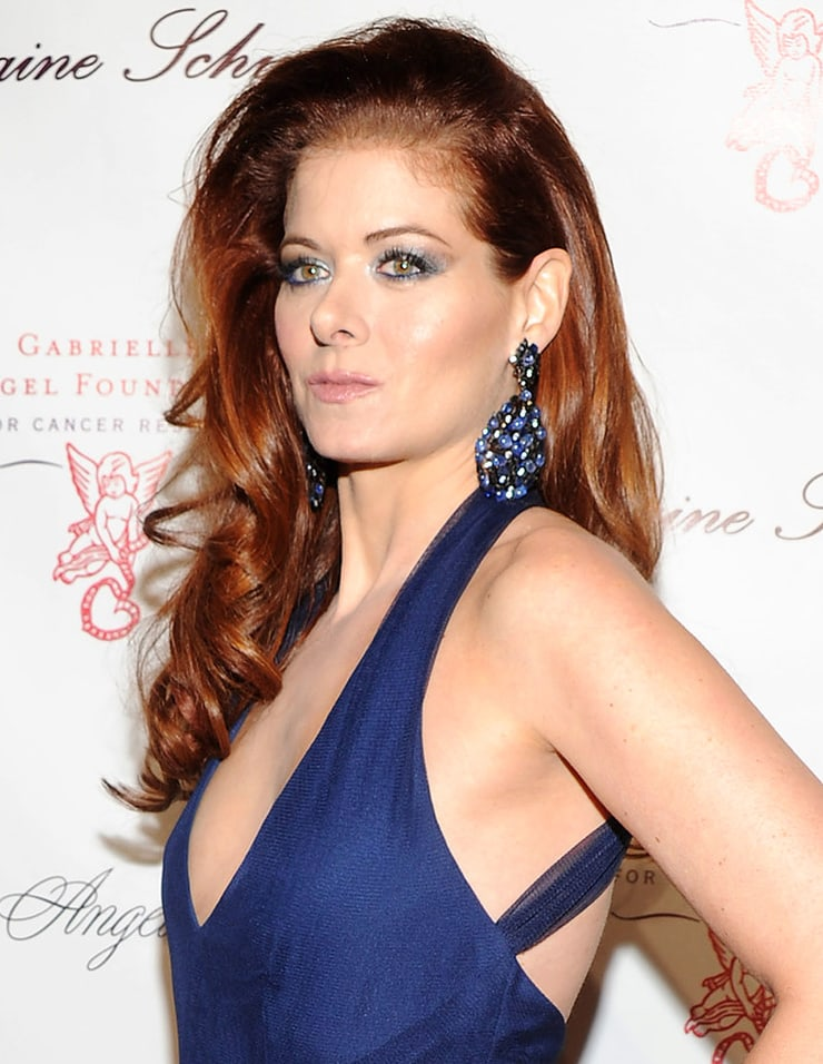 debra messing hottie look