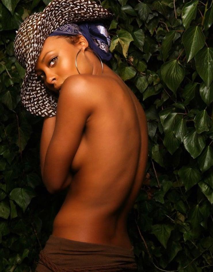 Eva Marcille hot look pic