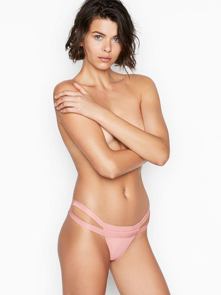 Georgia Fowler sexy