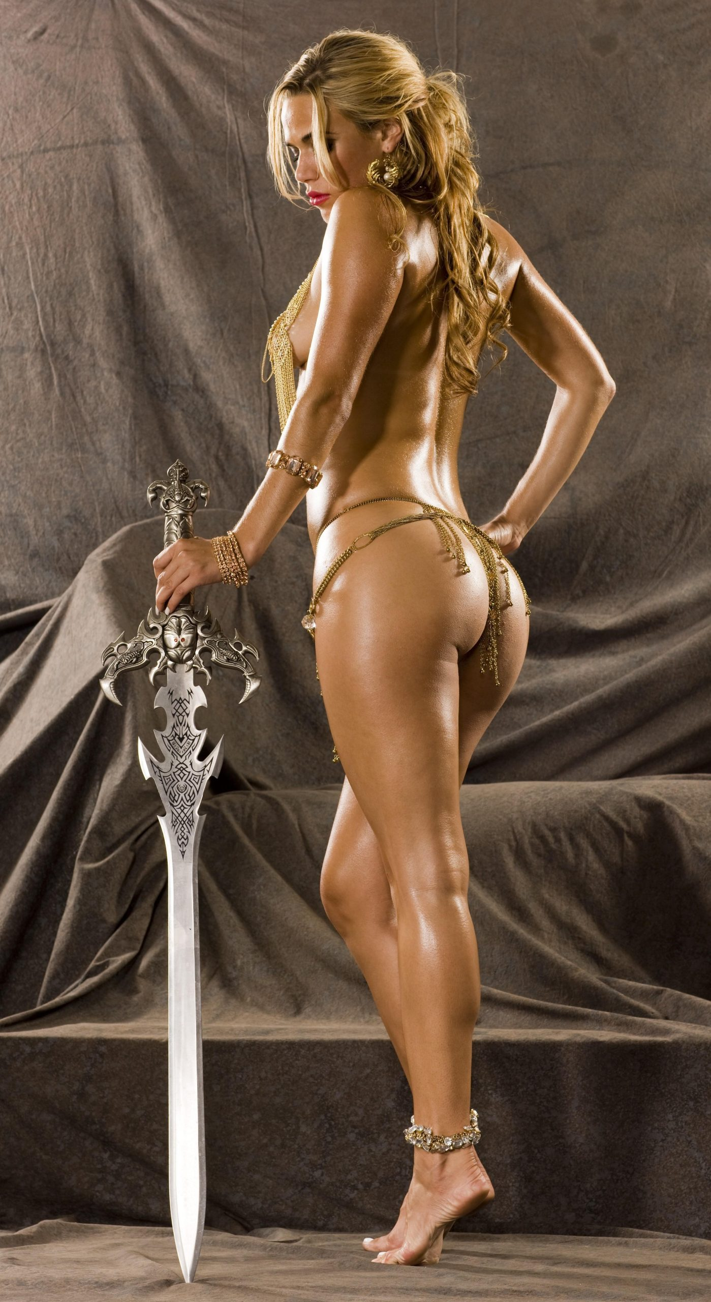 Lana sexy butt pic